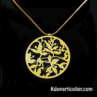 collier avec estampe bohémienne dorée