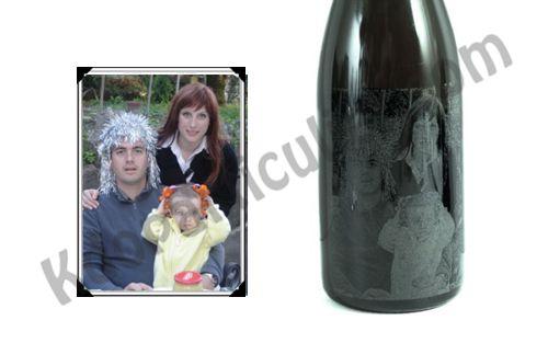 photo gravée sur une bouteille de champagne