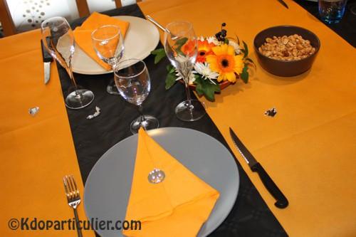 autre zoom sur la décoration de table sur le thème d'Halloween