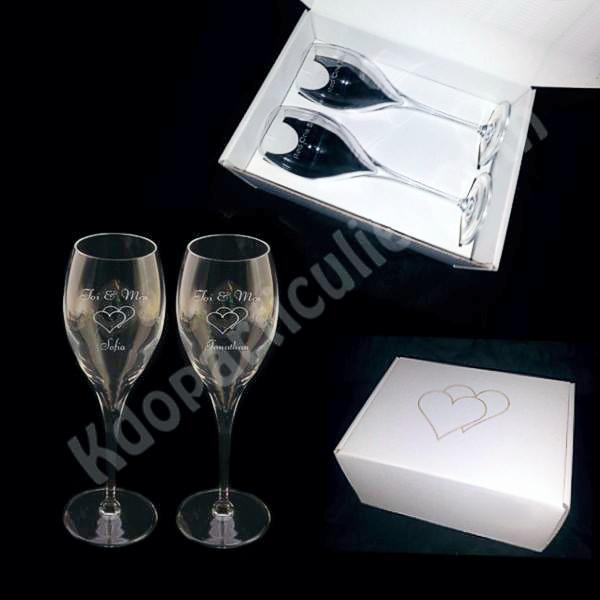 Duo de Flûtes à champagne gravées et personnalisées pour St Valentin 6d2960862b8