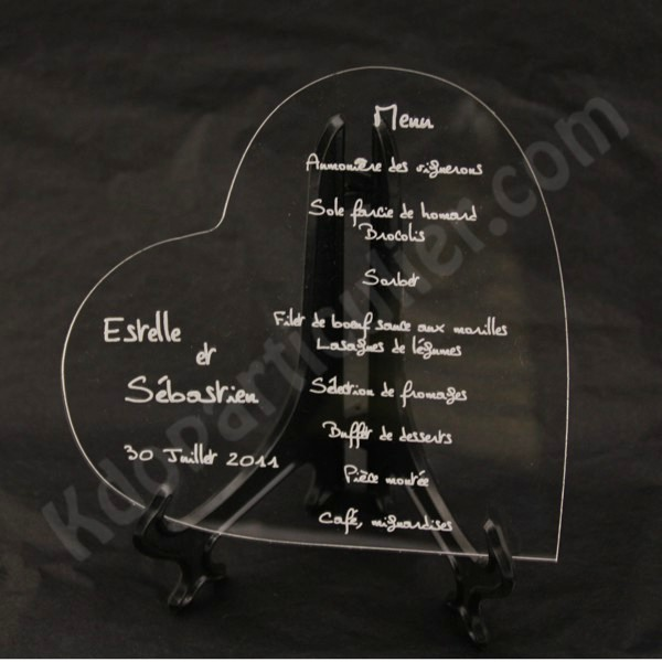 id e d coration mariage menu mariage et toute f te en forme de coeur grav sur plexi. Black Bedroom Furniture Sets. Home Design Ideas