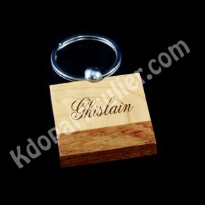 porte-clés carré en bois bicolore