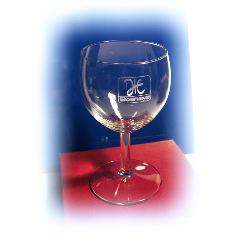 verre eau verre vin grav verre ballon personnalis. Black Bedroom Furniture Sets. Home Design Ideas