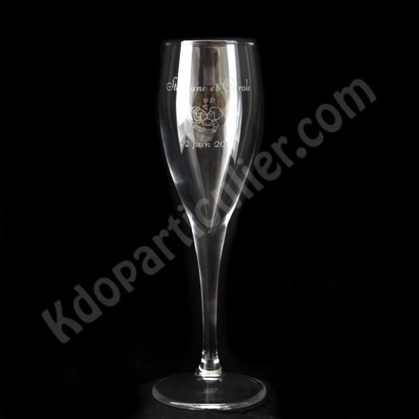fl te champagne grav e et personnalis e id ale pour mariages bapt mes flute champagne. Black Bedroom Furniture Sets. Home Design Ideas
